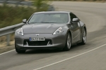 Nissan 370Z V6 3.7 328 CV (2009) Gama 370Z (2009) Coup&eacute; Blade Silver Exterior Frontal-Lateral 3 puertas