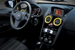 Opel Corsa 1.7 CDTI 130 CV Color Race Color Race 2010 Turismo Interior Salpicadero 3 puertas