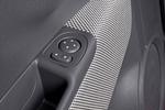 Fiat 500 1.3 16v Multijet 75 CV Lounge Turismo Interior Mandos puerta 3 puertas