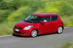 Suzuki Swift 1.3 D 75 CV GL+ Turismo Rojo Bright Exterior Frontal-Lateral 3 puertas