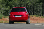 Suzuki Swift 1.3 D 75 CV GL+ Turismo Rojo Bright Exterior Posterior 3 puertas