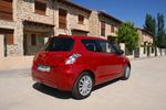 Suzuki Swift 1.3 D 75 CV GL+ Turismo Rojo Bright Exterior Lateral-Posterior 3 puertas