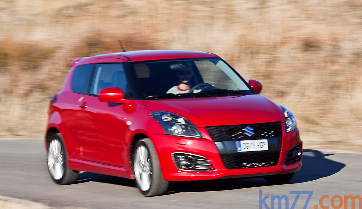Suzuki Swift Sport Sport Turismo Rojo Ablace Perlado Exterior Lateral-Frontal 3 puertas