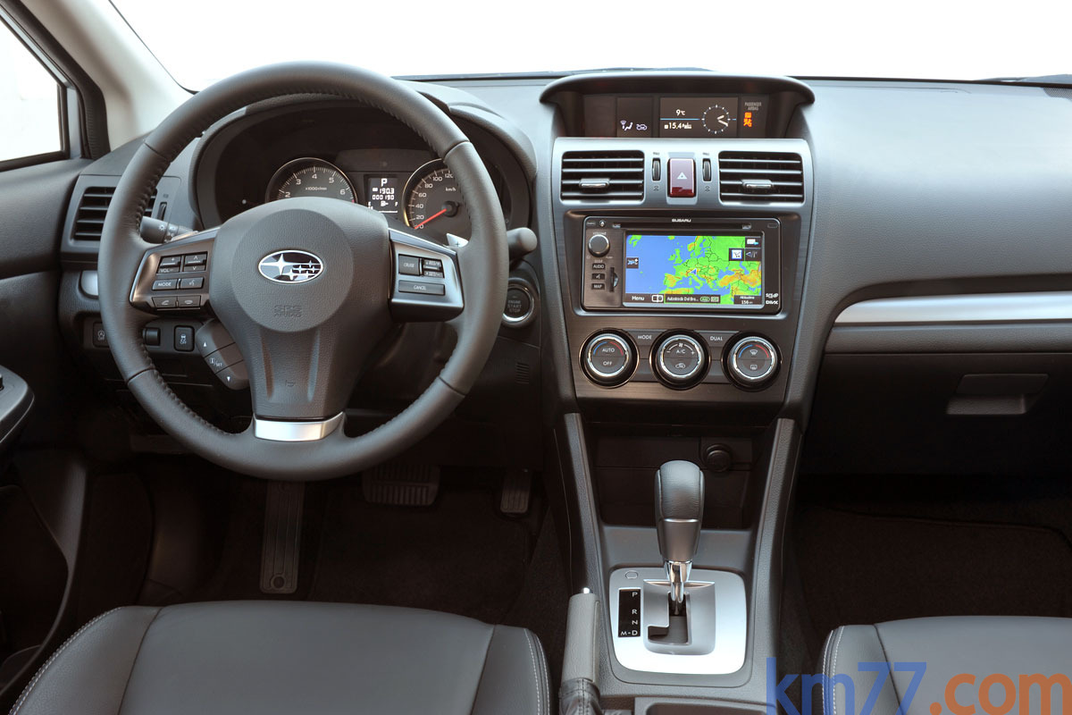 Subaru XV 2.0 CVT Lineartronic 150 CV Executive Plus Todo terreno Interior Salpicadero 5 puertas