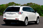 Mitsubishi Outlander 220 DI-D 150 CV 4WD Gama Outlander Todo terreno Blanco Silky Exterior Posterior-Lateral 5 puertas