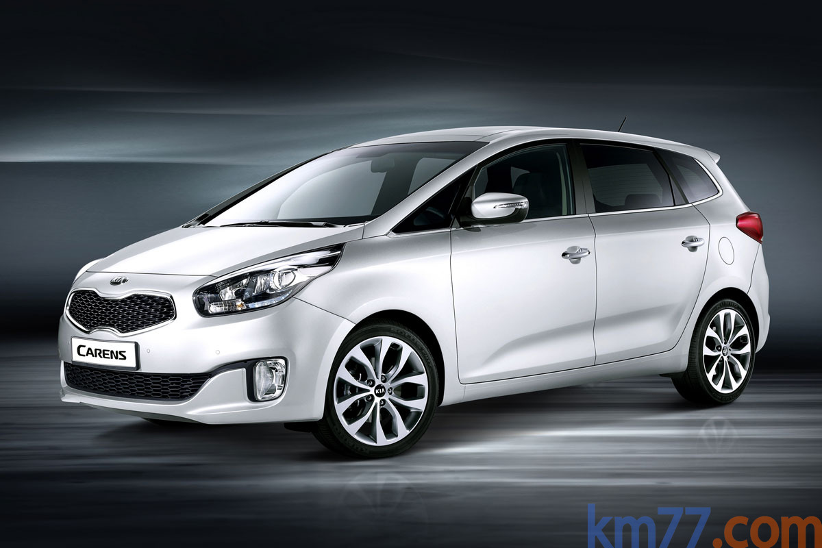 KIA Carens 1.7 CRDi 136 CV Gama Carens Monovolumen Schneeweiss Exterior Frontal-Lateral 5 puertas