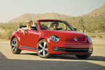 Volkswagen Beetle Gama Beetle Sport Descapotable Rojo Tornado Exterior Frontal-Lateral 2 puertas