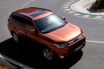Mitsubishi Outlander 220 DI-D 150 CV 4WD Gama Outlander Todo terreno Copper Radiant Exterior Cenital-Lateral 5 puertas