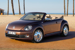 Volkswagen Beetle Gama Beetle 70s Edition Descapotable Marr&oacute;n Toffee Metalizado Exterior Frontal-Lateral 2 puertas