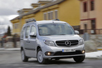 Mercedes-Benz Citan 109 CDI Combi 90 CV BlueEFFICIENCY. Gama Citan Veh&iacute;culo comercial Plata Brillante Metalizado Exterior Lateral-Frontal 5 puertas