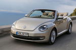Volkswagen Beetle Gama Beetle Design Descapotable Plata Roca Lunar metalizado Exterior Frontal-Lateral 2 puertas