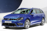 Volkswagen Golf 2.0 TDI CR 150 CV 4MOTION Concept R-Line Turismo familiar Exterior Frontal-Lateral 5 puertas