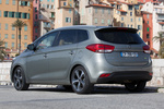 KIA Carens 1.7 CRDi 136 CV Gama Carens Monovolumen Brilliantsilber Metallic Exterior Lateral-Posterior 5 puertas