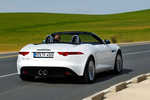 Jaguar F-Type V6 3.0 340 CV V6 Descapotable Polaris White Exterior Posterior-Lateral 2 puertas