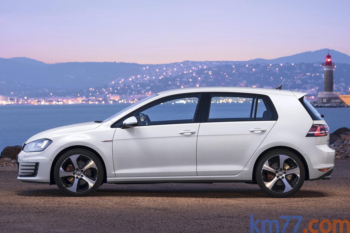 km77.com - williamhill nicht runner regeln Volkswagen Golf GTI 2.0 TSI 210 CV GTI Turismo Blanco Candy ...
