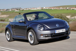 Volkswagen Beetle 2.0 TDI 140 CV 70s Edition Descapotable Exterior Frontal-Lateral 2 puertas