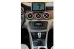 Mercedes-Benz Clase GLA GLA 200 CDI Gama GLA Todo terreno Interior Consola Central 5 puertas
