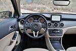 Mercedes-Benz Clase GLA GLA 220 CDI 4MATIC 7G-DCT Gama GLA Todo terreno Interior Salpicadero 5 puertas