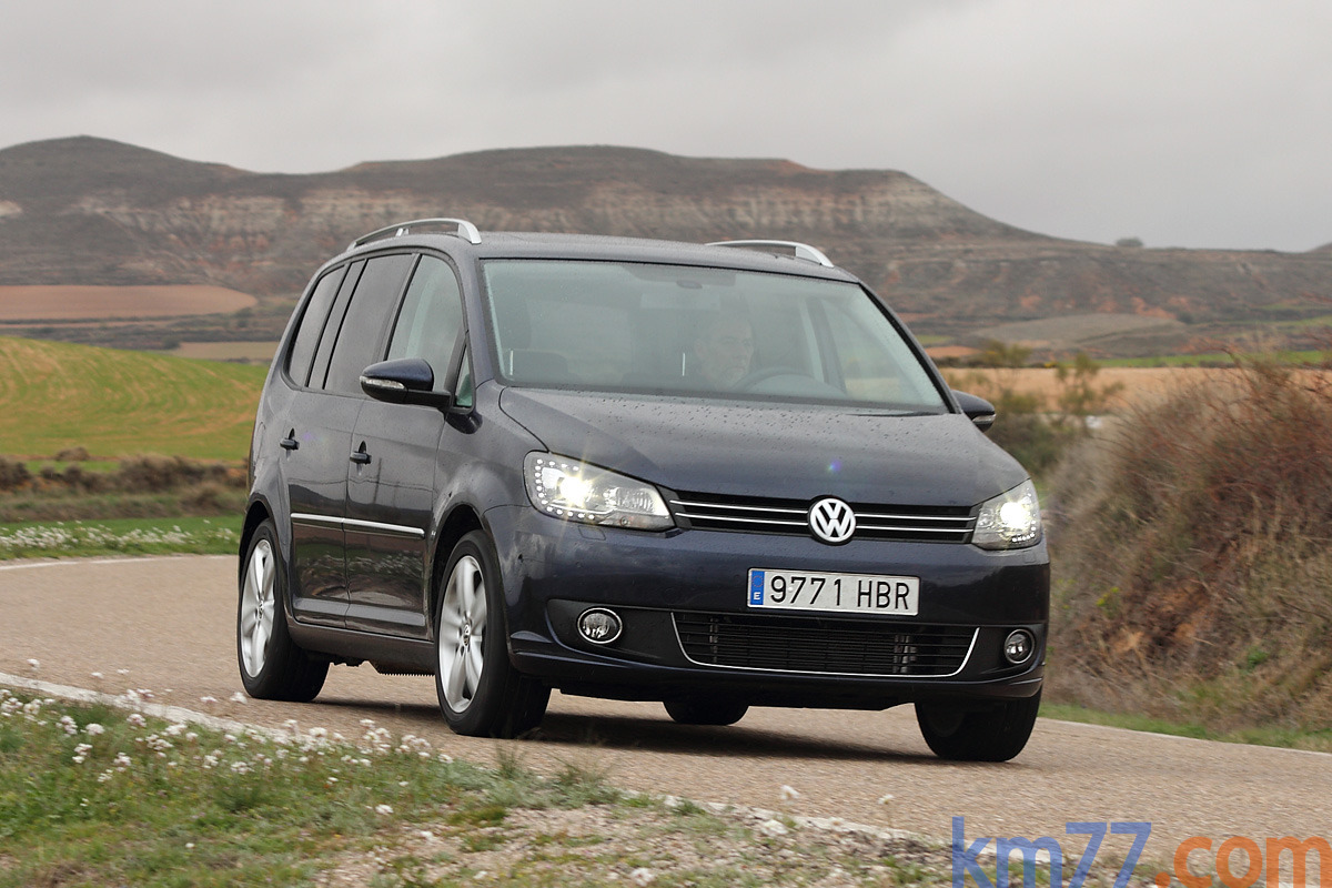 fotos exteriores volkswagen touran 2010. Black Bedroom Furniture Sets. Home Design Ideas