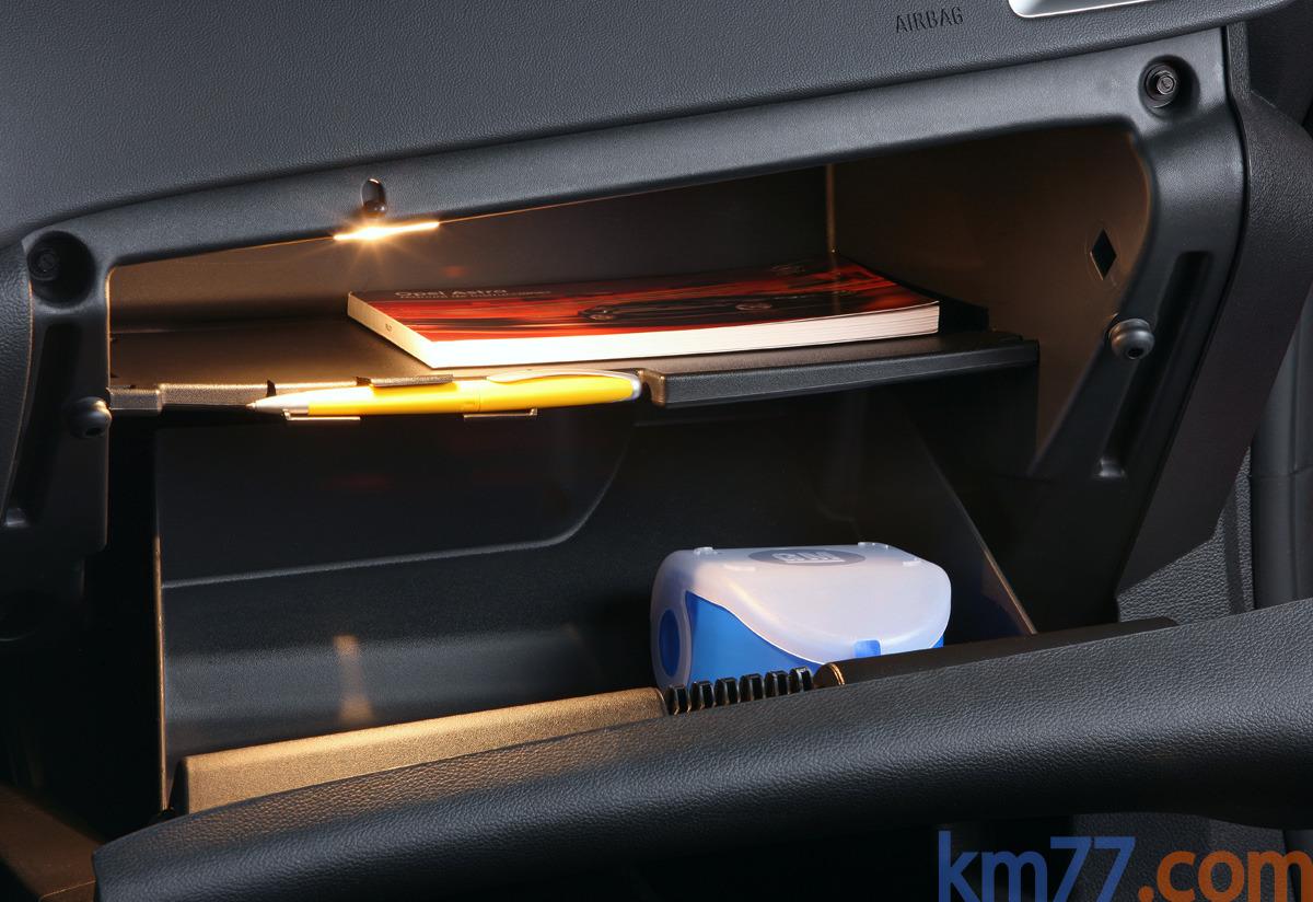 Fotos Interiores Opel Astra Sports Tourer 2011 Km77 Com