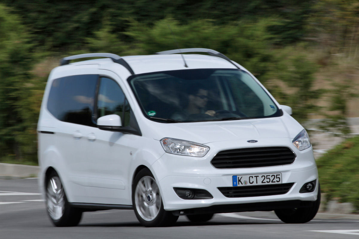 Ford Tourneo Courier (2018) | Información general - km77.com