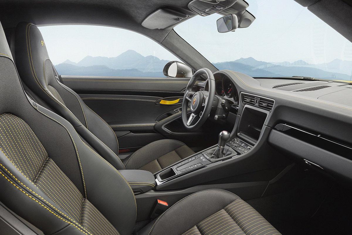 Fotos interiores porsche 911 carrera t 2017 for Carrera diseno de interiores xalapa