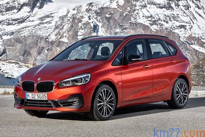 BMW Serie 2 Active Tourer (2018) - Foto