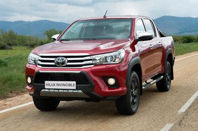 Toyota Hilux Invincible (2018) - Foto