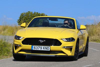 Ford Mustang Fastback 5.0 V8 450 CV y Mustang Convertible 5.0 V8 450 CV Aut. | Prueba - Foto