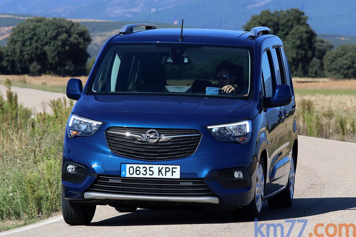Foto Opel Combo Life Edition Plus L 1.5 TD 75 kW (100 CV) Start/Stop (2020)