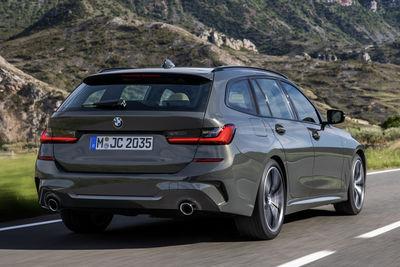 BMW Serie 3 Touring (2020) - Foto